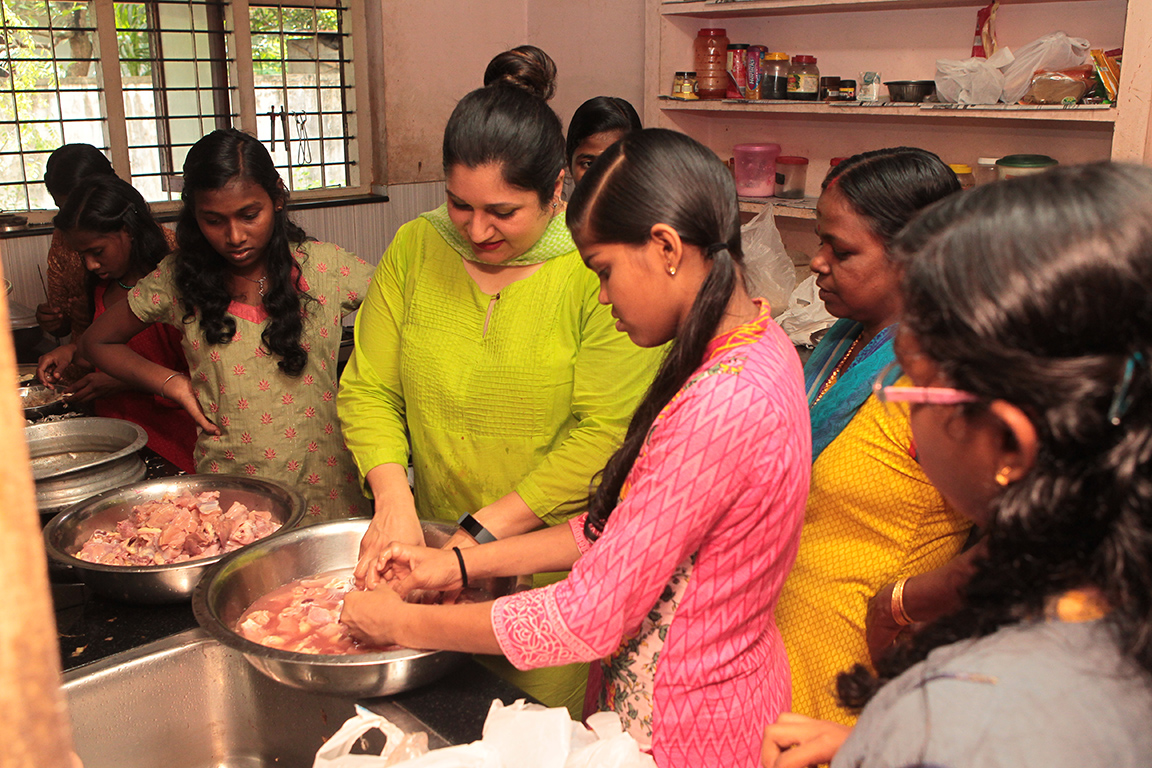 Rajni Menon, private south Indian cooking classes westchester ny, private south Indian cooking lessons westchester ny, customized cooking parties, modern Indian cooking parties, fashionable artistic food, creative Indian food